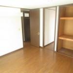2階洋室8帖収納(リフォーム中)